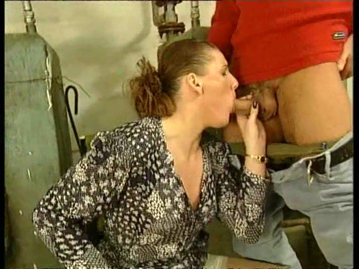 Femme de ménage mature