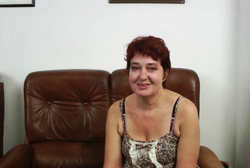 Valérie, mère au foyer perdue, accepte se faire enculer par un black ! (vidéo exclusive)