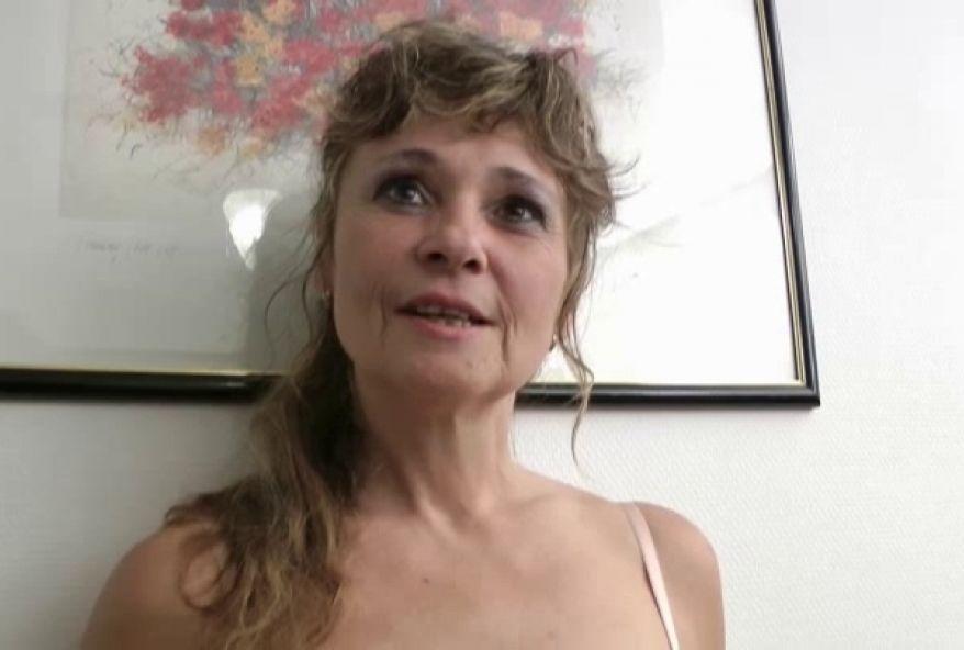 Punition douloureuse mais jouissive pour une mature cochonne! (vidéo exclusive)