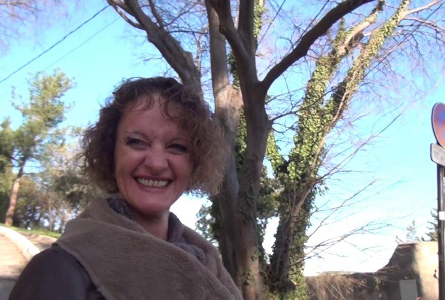 Aline, mère au foyer de Perpignan, organise un gang-bang avec son beau-frère! (vidéo exclusive)