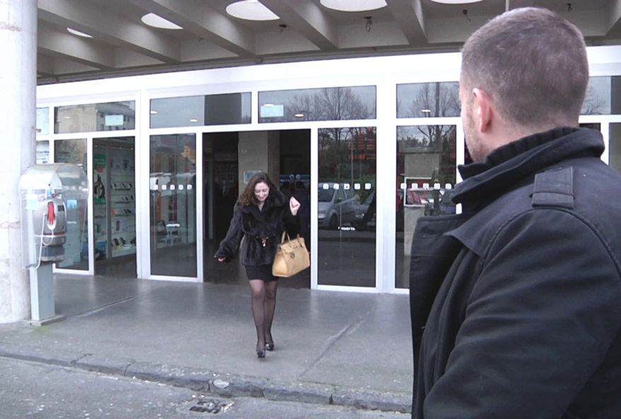 Sandra, 35 ans, médecin orthopédiste qui a le feu au cul ! (vidéo exclusive)