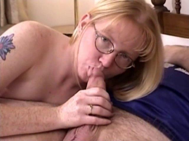 Femme à lunette aime les turluttes