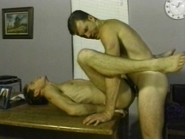 Un gay se fait culbuter lors d'un casting.