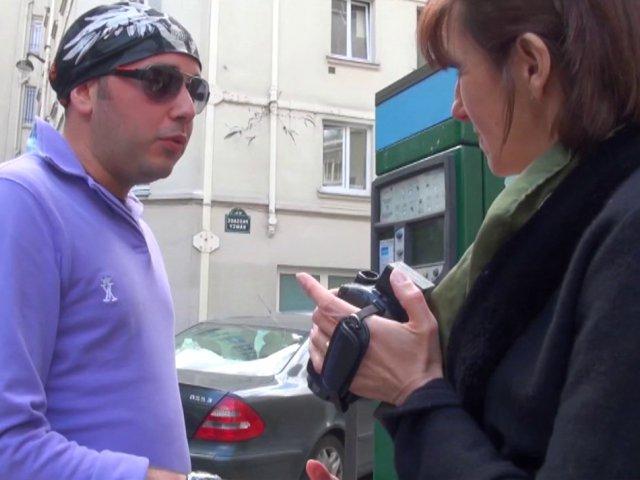 Bourgeoise autoritaire cherche jeune inconnu pour lui péter le cul