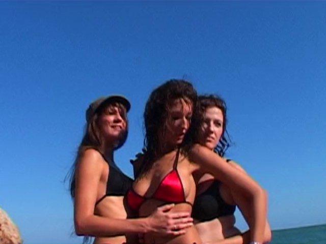 God et sable fin entre 3 filles