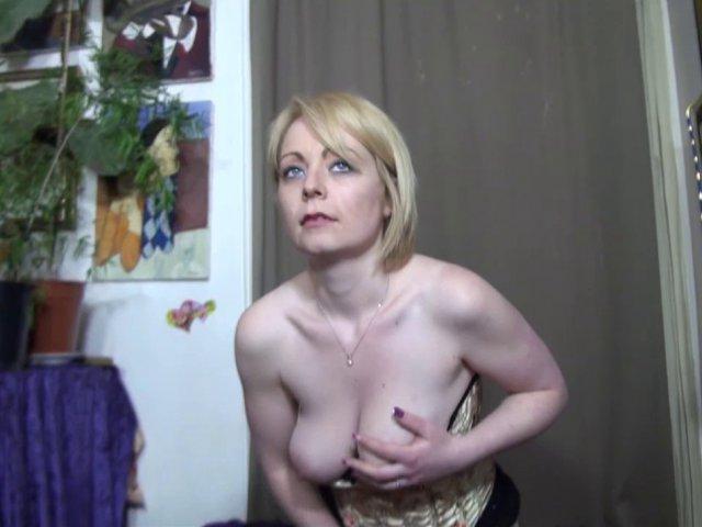 Séance de sexe brutal pour marion, cougar très gourmande!
