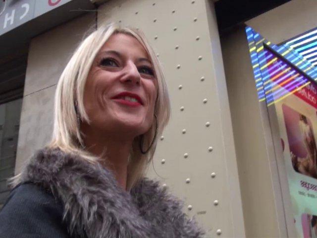 La vidéo x française d'un couple de baiseurs trentenaires