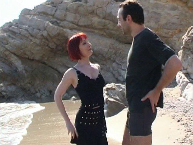 Notre jolie rousse du nord a oublié sa culotte!