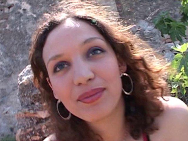 Zeta, une beurette de 21 ans qui veut monter les marches de cannes
