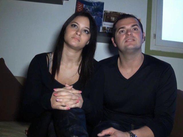 Jeune couple amateur en mal de notoriété baise devant notre cam
