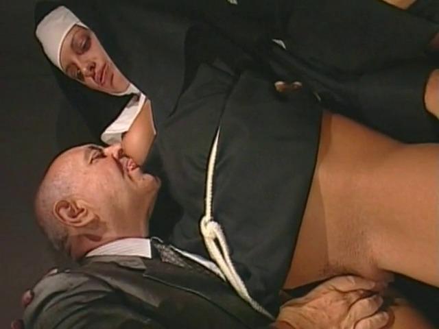 porno xxx porno erotique baise a quatre dans la campagne